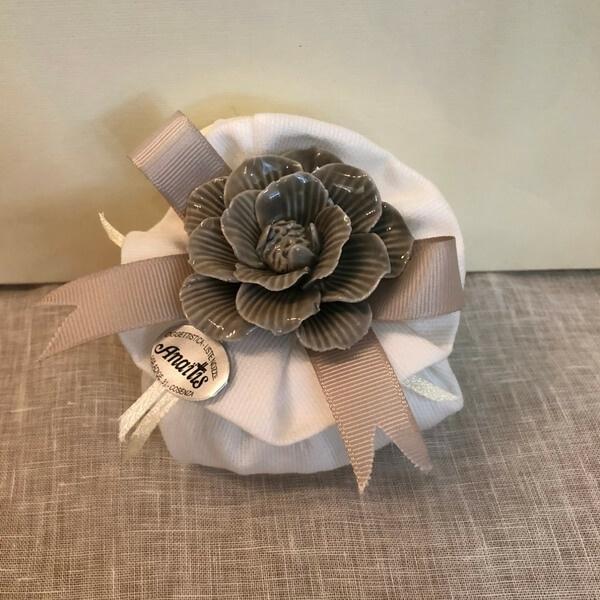 Rosa-porcellana-sacchetto-lino-fondazione-lilli-funaro